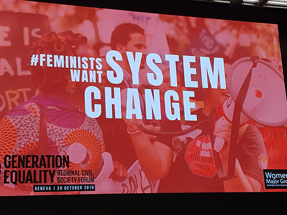 affiche feminists want system change